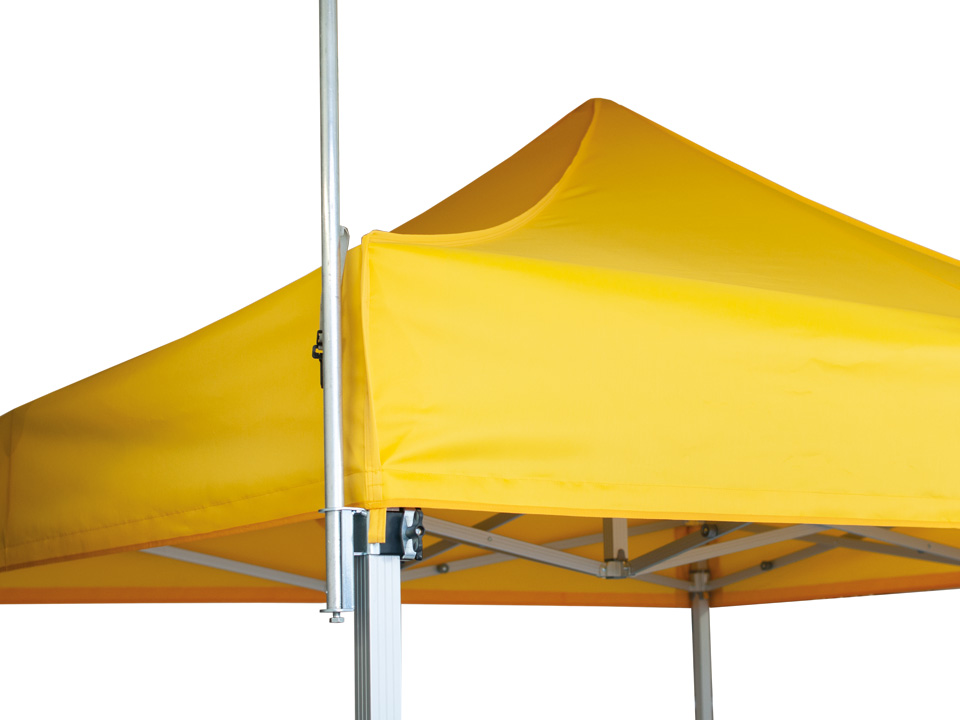 supporto-bandiera-fahnenhalterung-flag-mounting-qualytent-02-960x720px